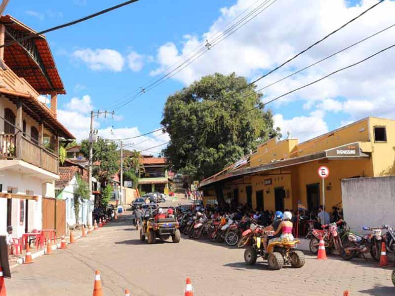 Bares e Restaurantes em Macacos